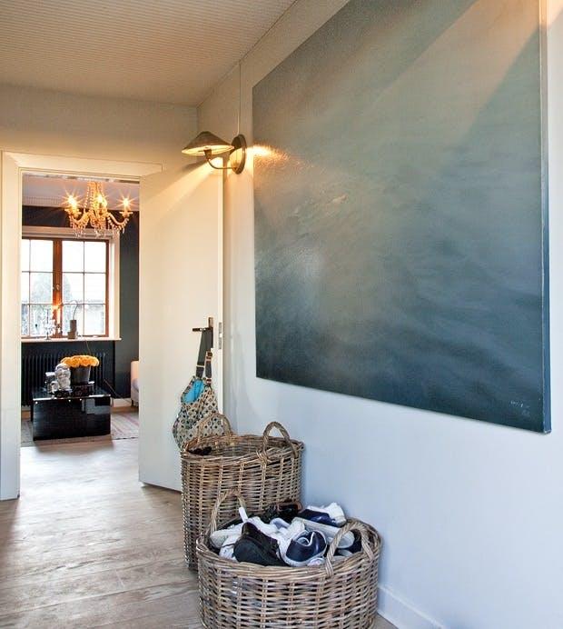 Hvitt rom til fargerik kunst