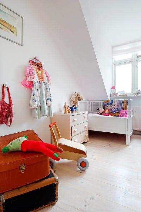 Barnerom med fargeklatter