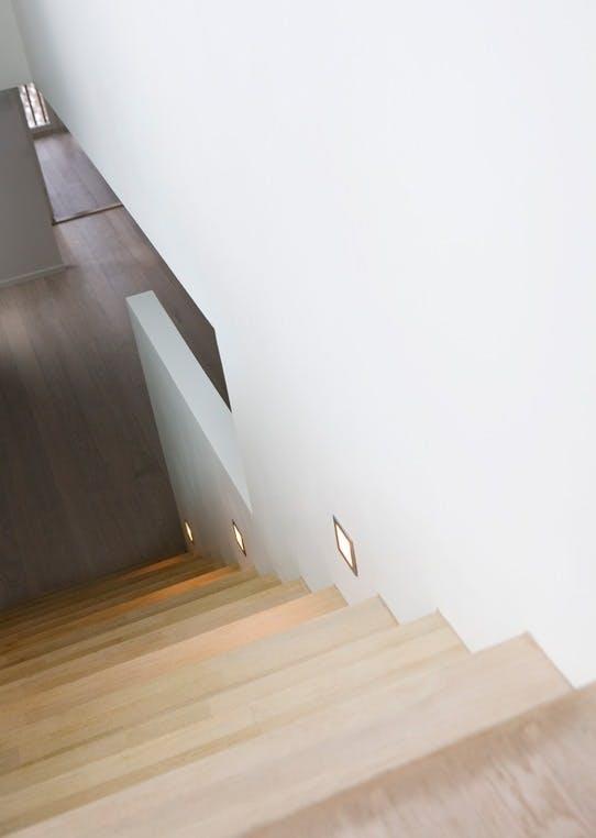 Spotbelysning i trappen
