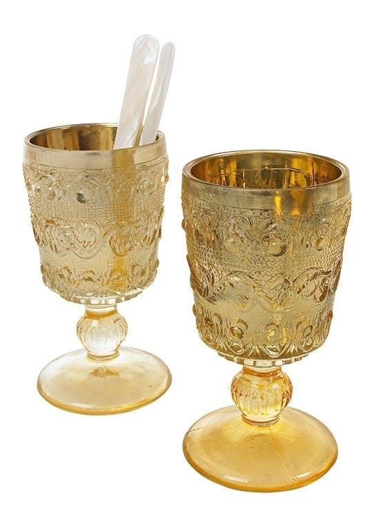 Gullglass på stett