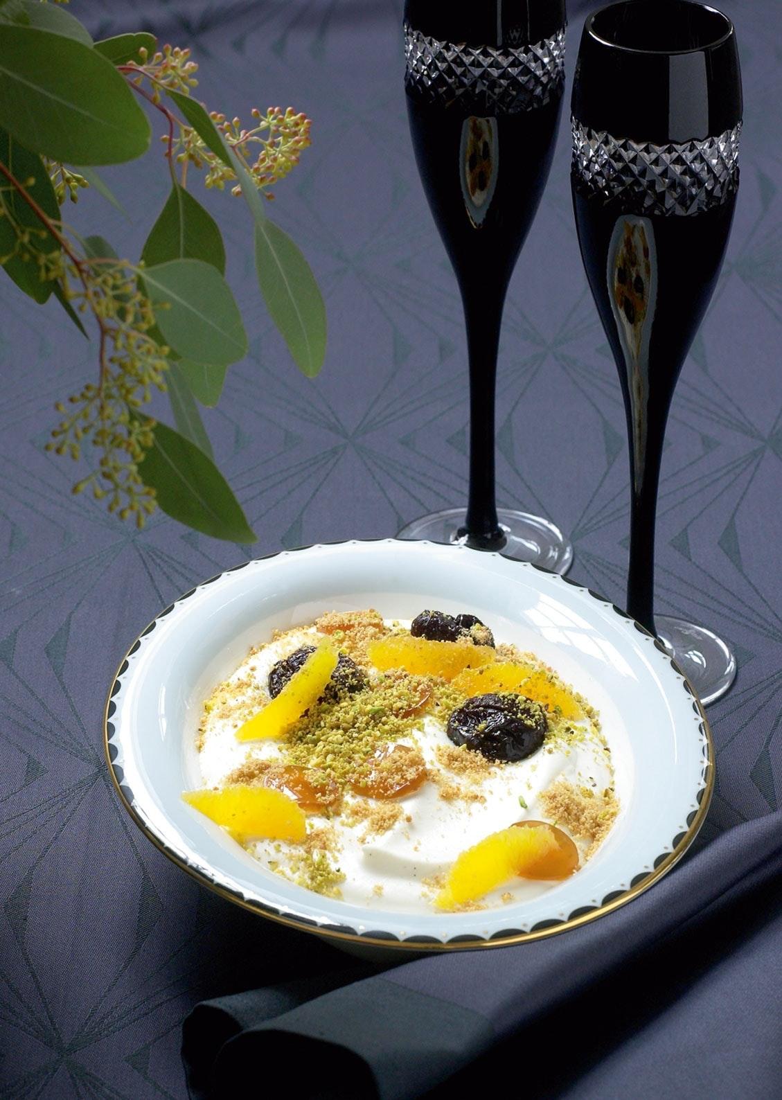Sviskekake 08 – sviskegelé, vaniljefromasje, pistasj og appelsin