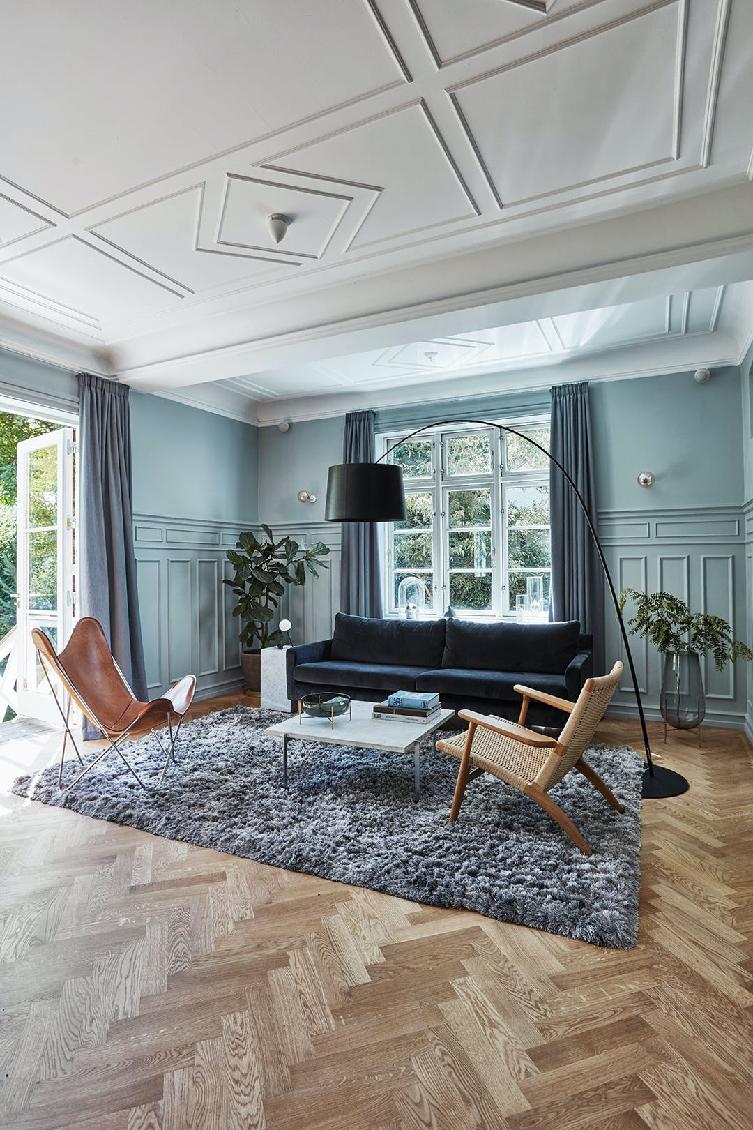 stue dansk design stuebord gulvlampe violinfigen