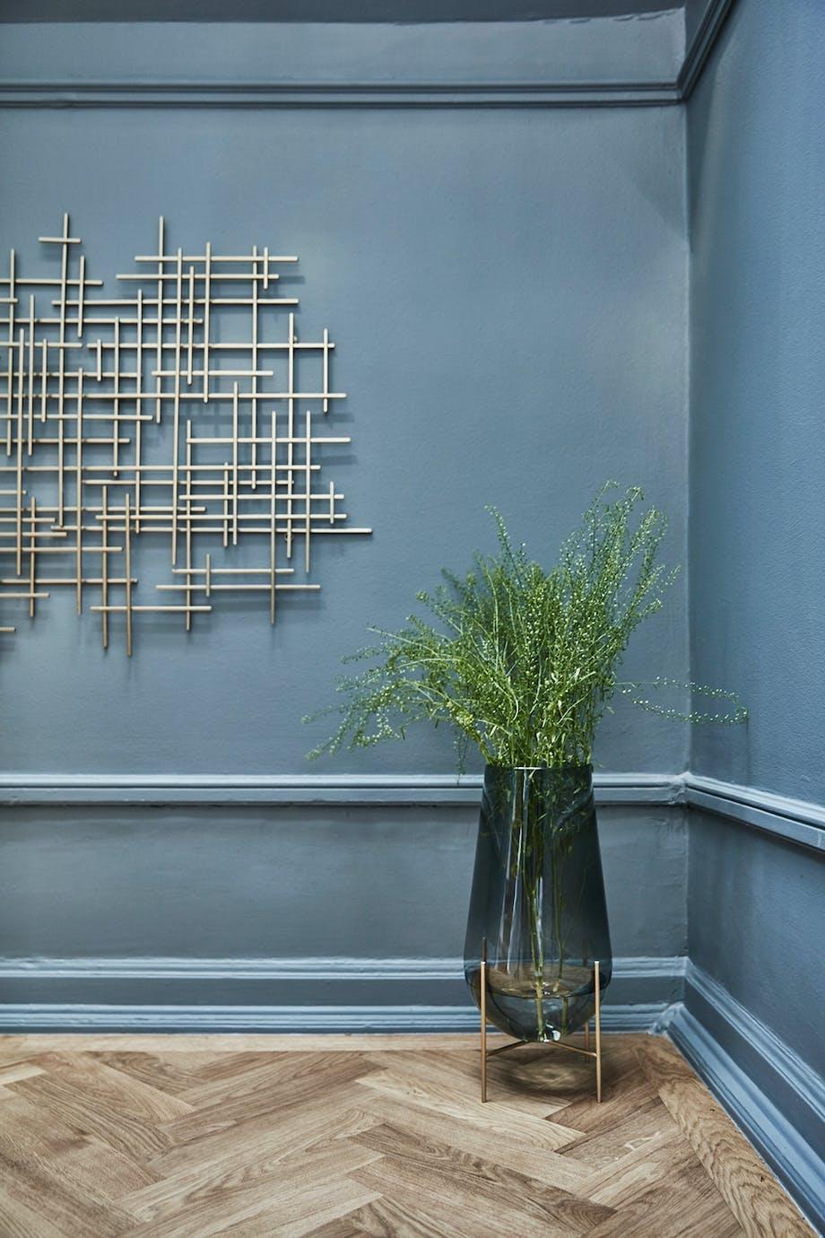 installation gulvvase sildebensmønster Menu