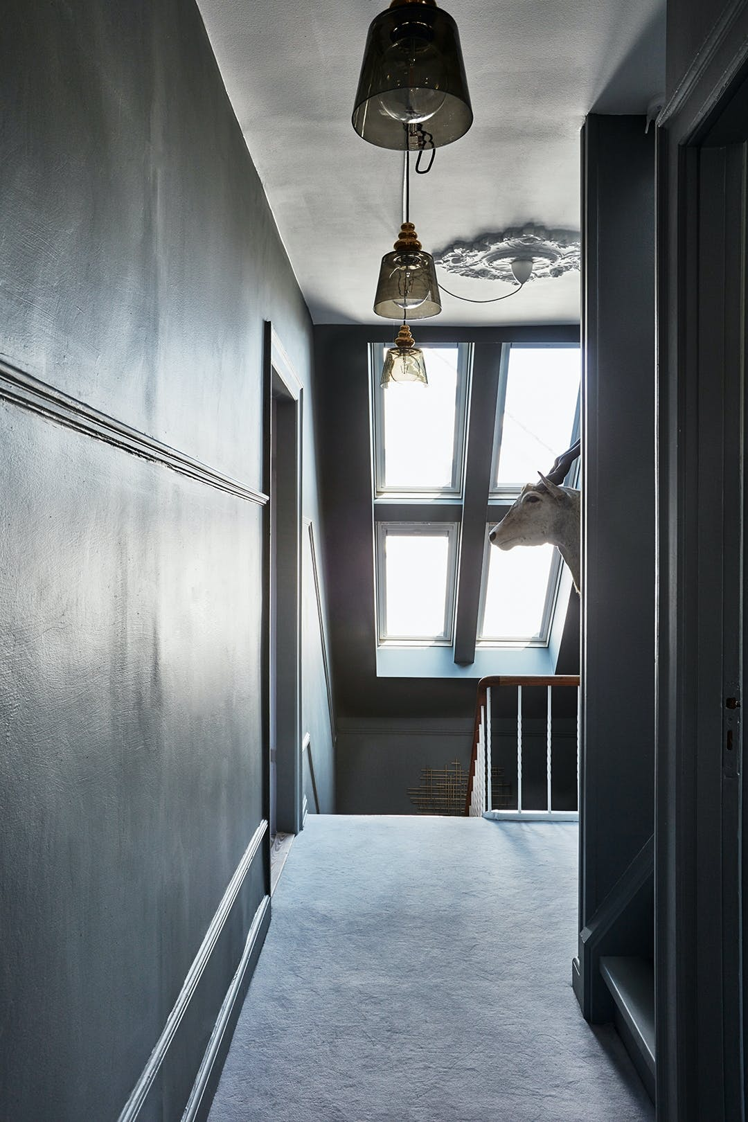 lysindfald væg-til-væg tæpper loftslamper Geranium