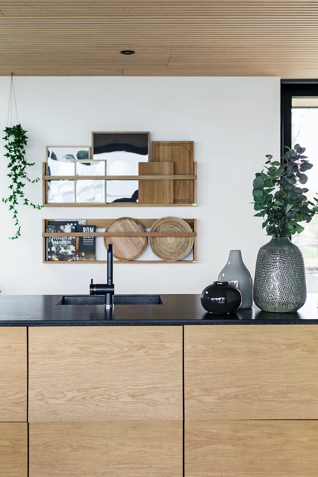køkken sommerhus granit træ