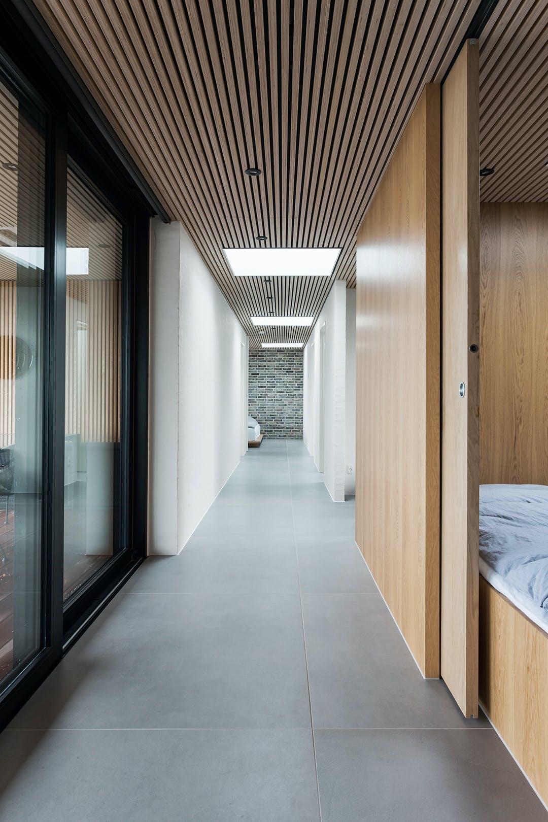 Sommerhus ovenlys trælameller loft