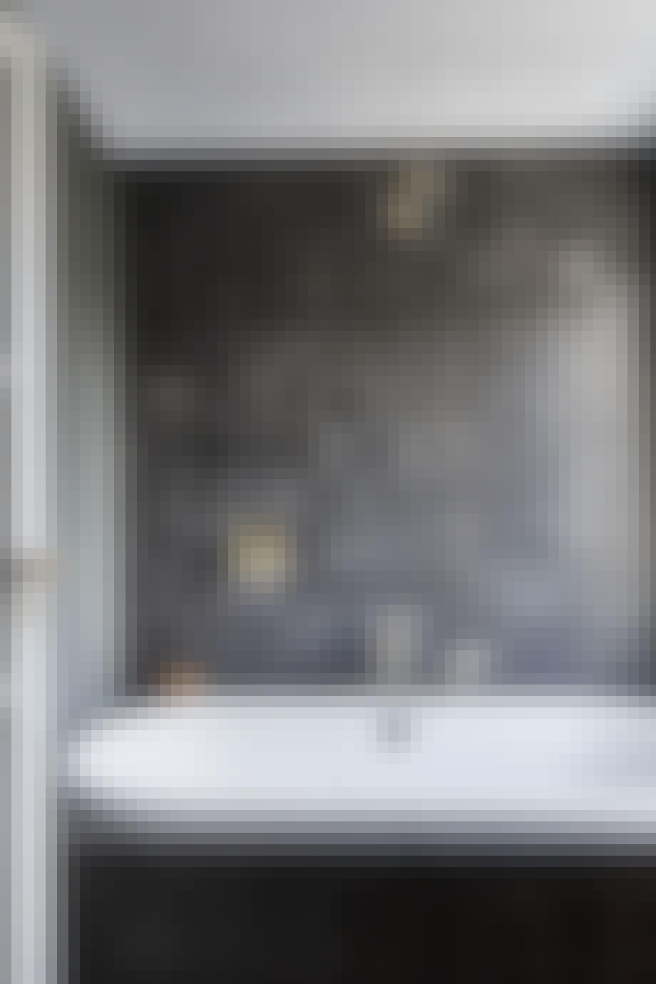 Baderomsfliser i nyanser av grått