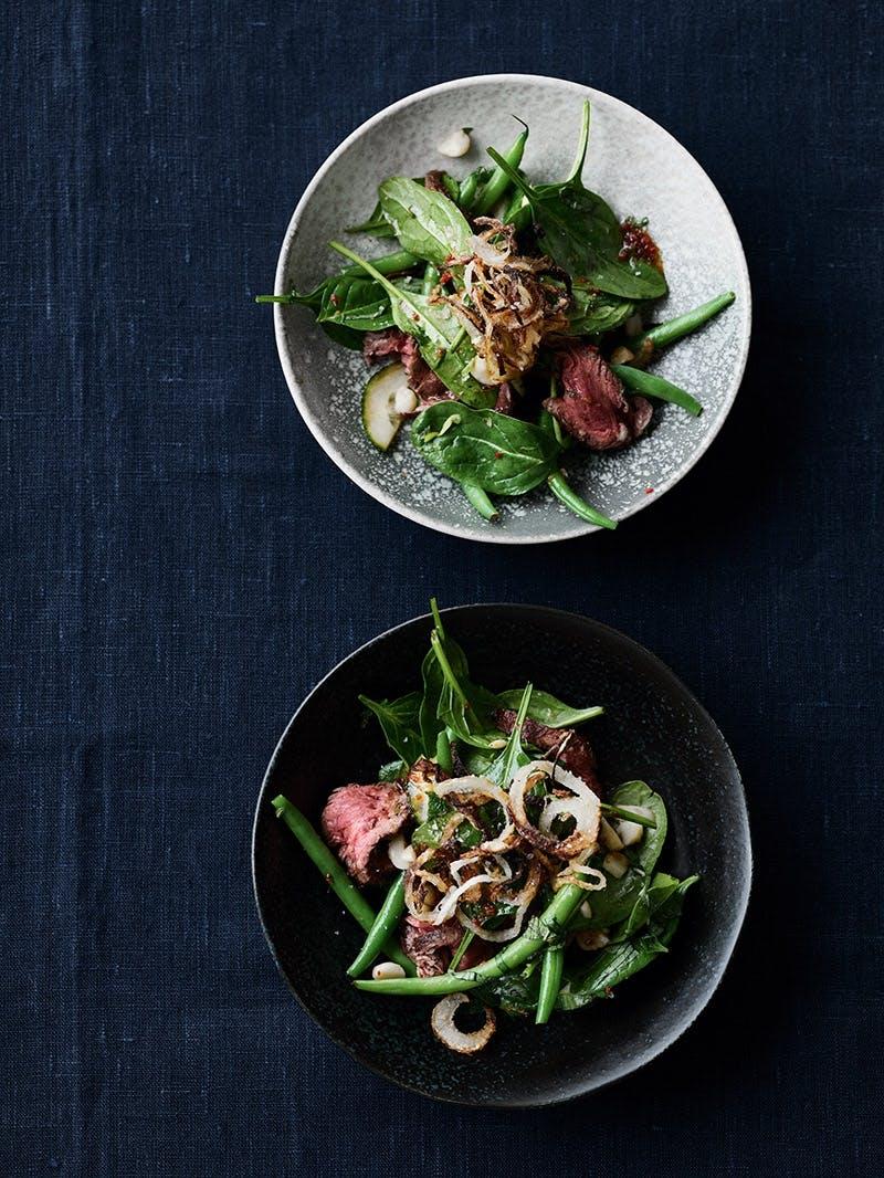 Beef-salad med ristede løg