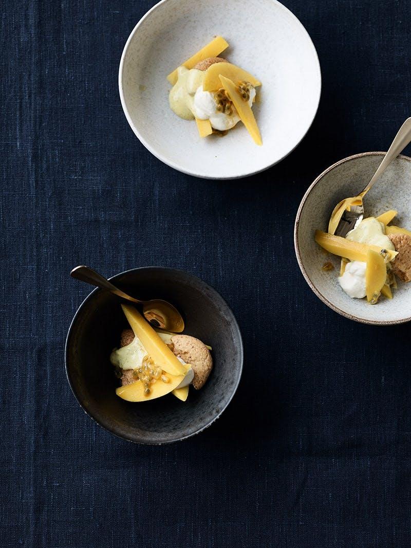 trifli med passionsfrugt, mango og limecreme