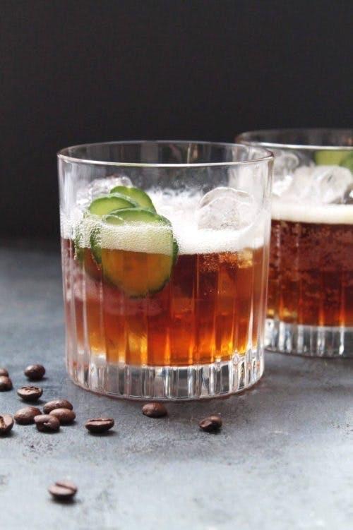 Vores Espresso Tonic er stylet i Melodia-glas fra RCR.