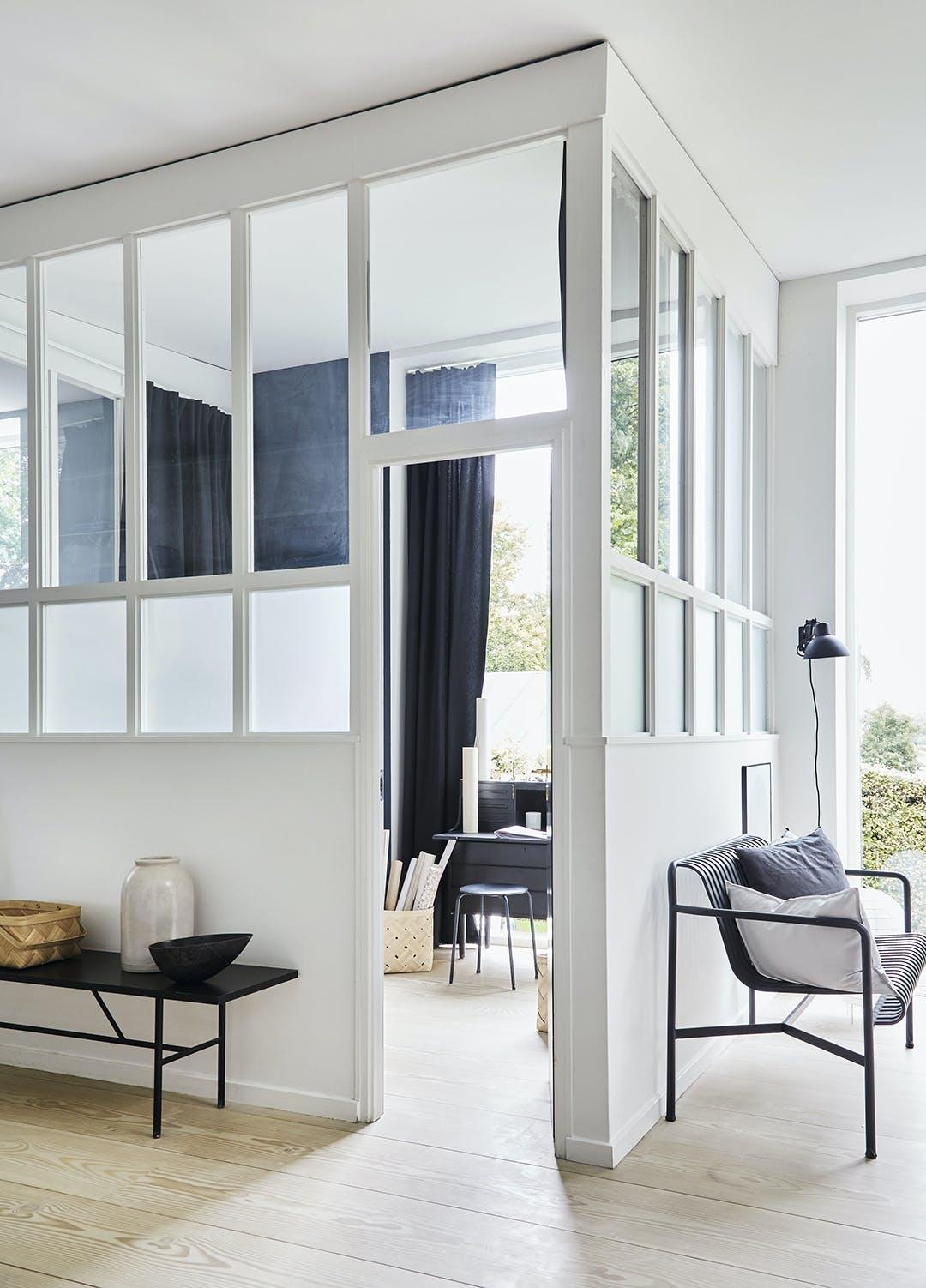 Glashus med vinduespartier