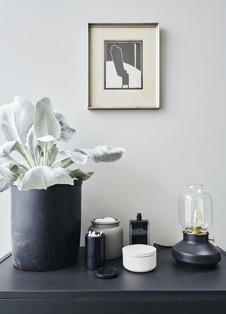 Bordlampe fra Ikea og keramik