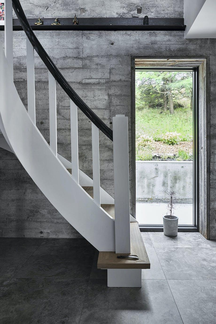 Hvid trappe, færørene
