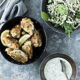 Fiskefrikadeller med sprød salat