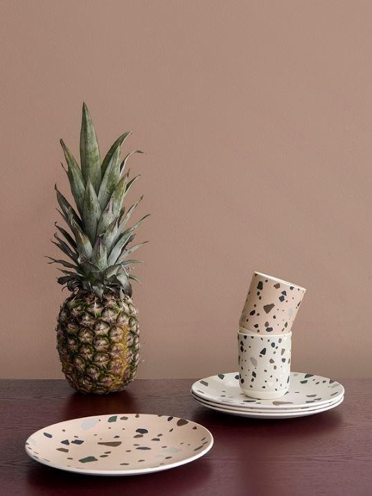 Ferm Living bordservice mere miljøvenlig end melamin