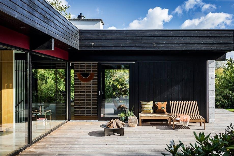 terrasse havemøbler fra Skagerak sort 60'er villa