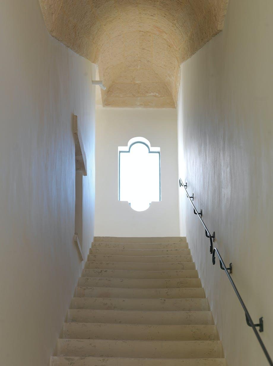 Trappeopgang med vindue i originale form