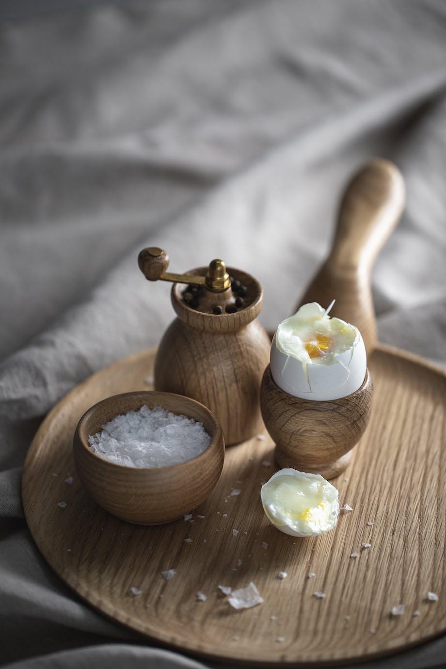Kay Bojesen Denmark menageri serveringsplatte æggebæger saltkar peberkværn