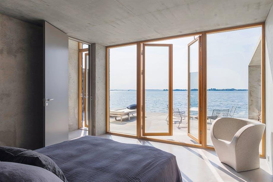 Soveværelse udsigt over Flensborg Fjord beton terrasse