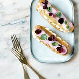 eclairs med chantilly creme