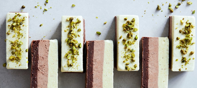 Isbar med pistasj og sjokolade