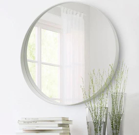 Rundt spejl med hylde fra IKEA
