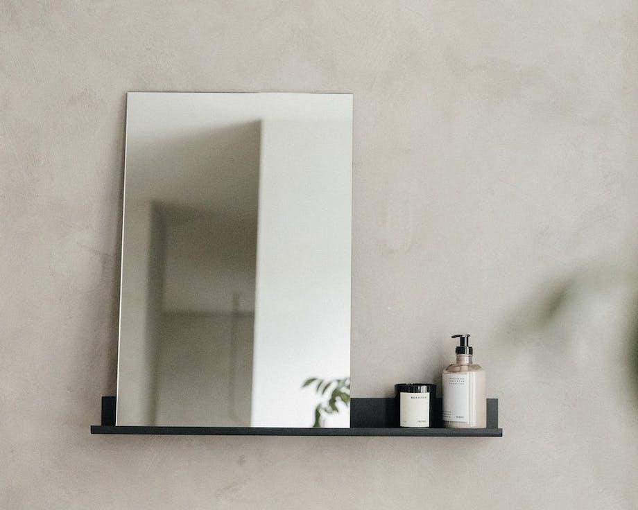 Spejl på hylde fra Frama