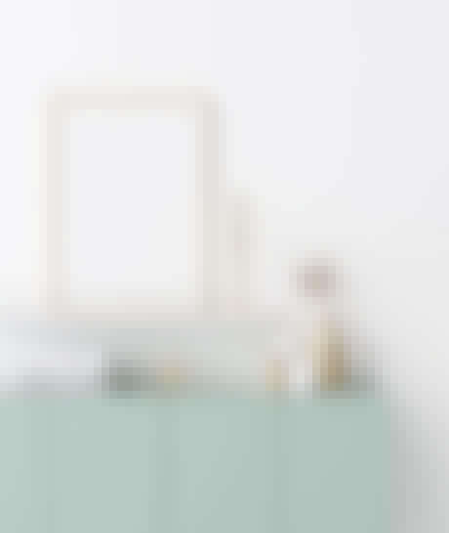 Mal møbler du allerede har i nyanser av mint.