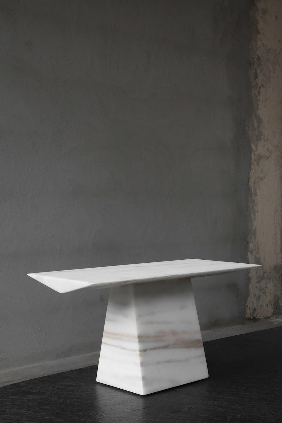 Tau av Lars Ernst Hole