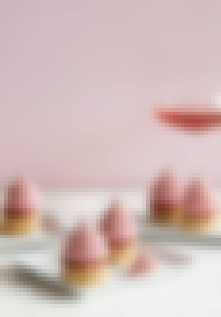 Iskolde kyskager med hindbær