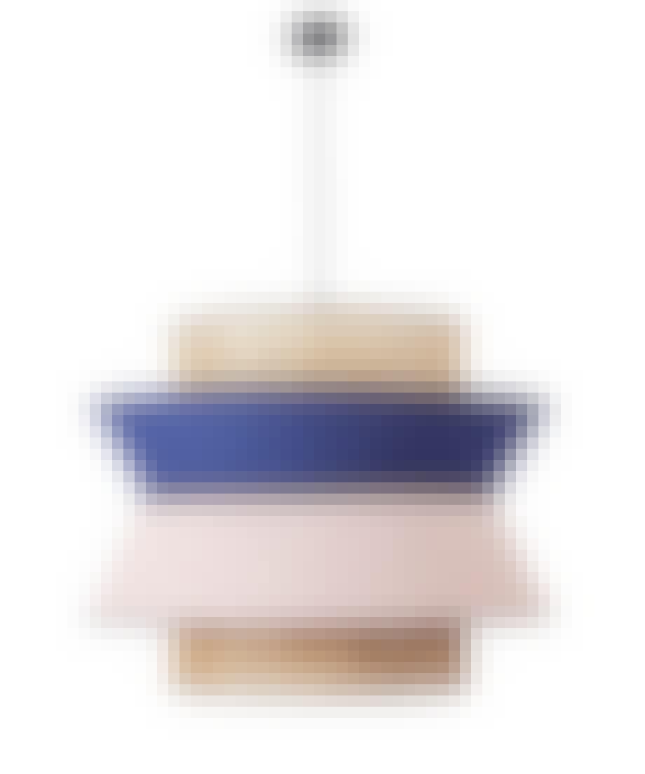 Lampe i fransk flet og med farvede skærme