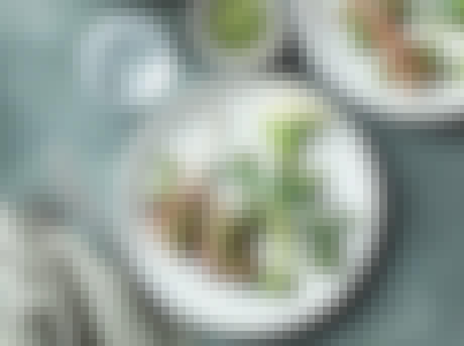 Grillede lammekoteletter med broccolinisalsa