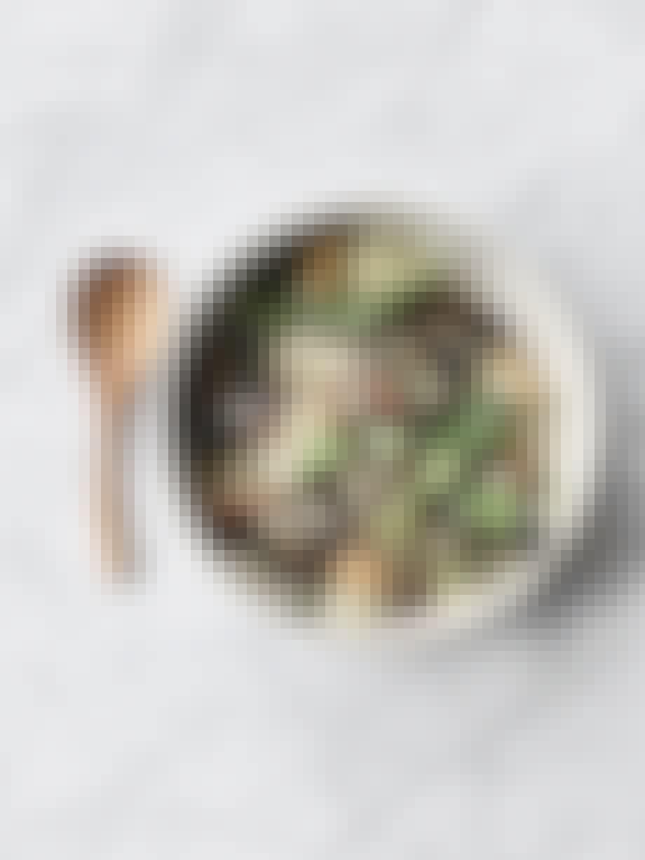 Salat med blommer og gedefeta