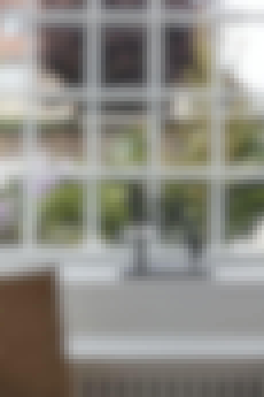 Skulptur i vindueskarmen