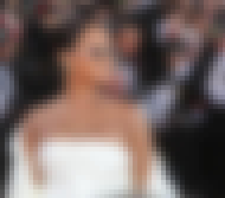 Rihanna i hvide solbriller