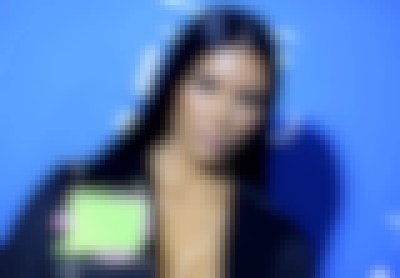 Kim Kardashian sagsøgt af danske Kjær Weis