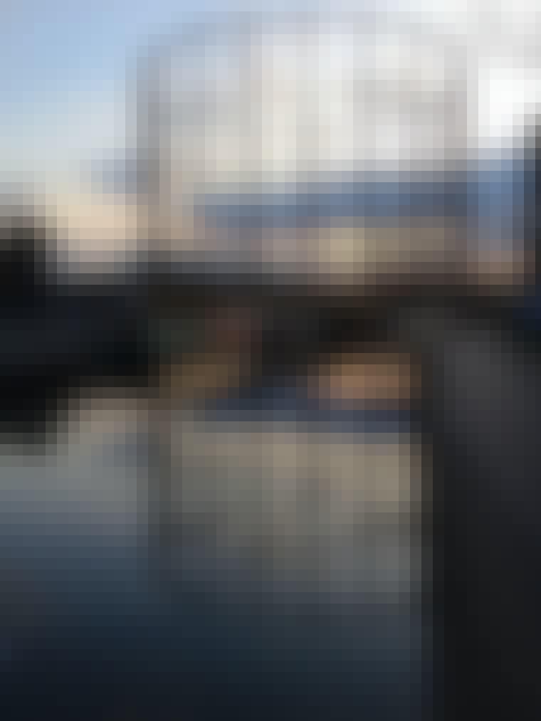 East Londons gasbeholdere langs kanalen
