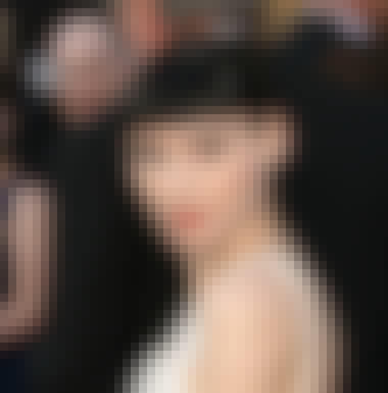 Rooney Mara med kort, markant lugg