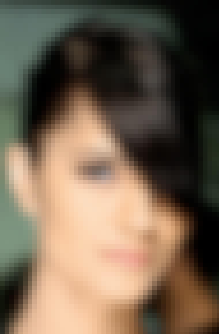 GO SHORT: Korte lokker hitter. Lad gerne pandehåret være langt for et blødt look i det korte pjuskede hår.