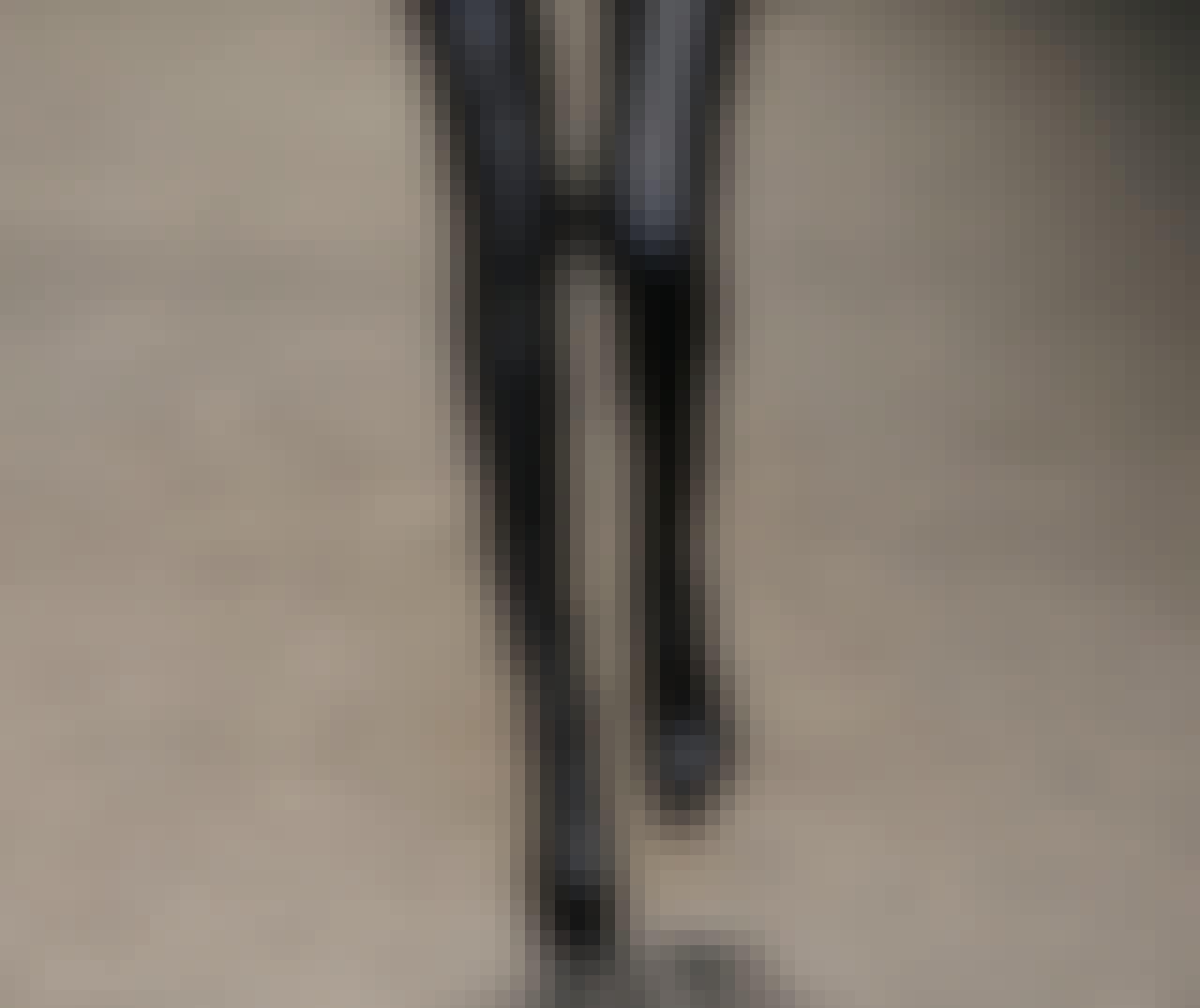 Stella McCartney viste åletrange, lårhøye støvletter.