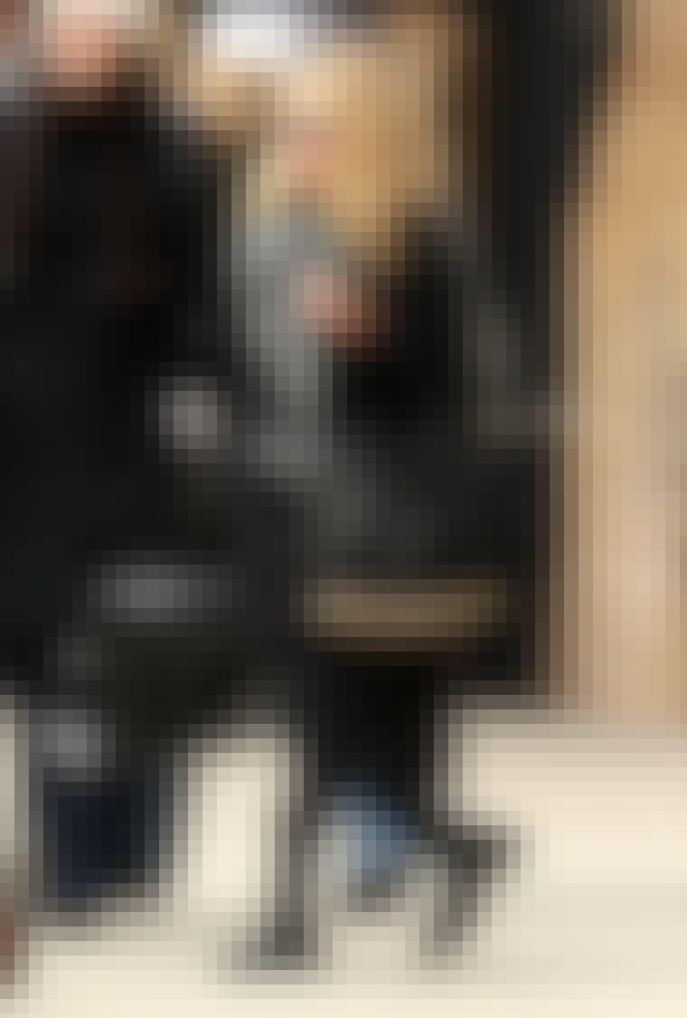 Denne sesongen skal nagler være festet på alt fra kjoler og bukser til sko og vesker. Mary-Kate Olsen var en av de første som bar rundt på Alexander Wang-vesken med grove nagler som stikker ut av veskebunnen.
