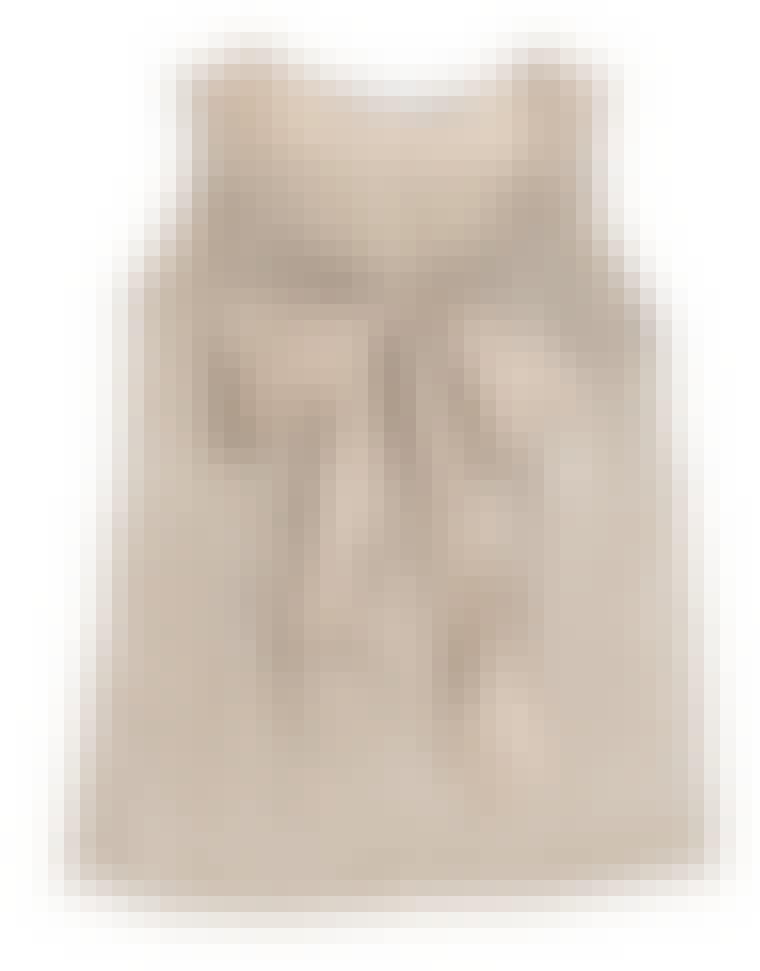 Sesongens lekre pudderfarger gjør seg best til gyllen hud. Mens vi venter på varmen kan du smøre kroppen med litt selvbruning før du kler deg i toppen fra Inwear. Miks med et par posete shorts for en feminin look eller et par...