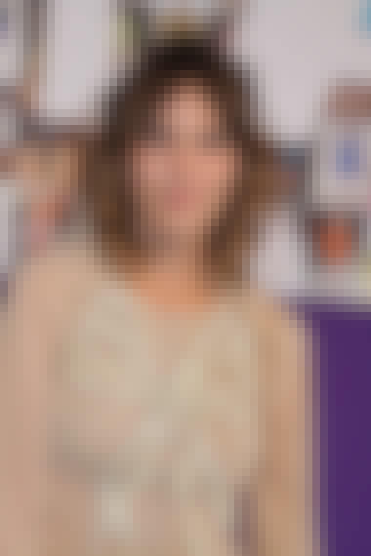 Om et halvt år kan du se Alexa Chung folde sig ud som model for Lacoste. Vi glæder os til at se kampagnen.