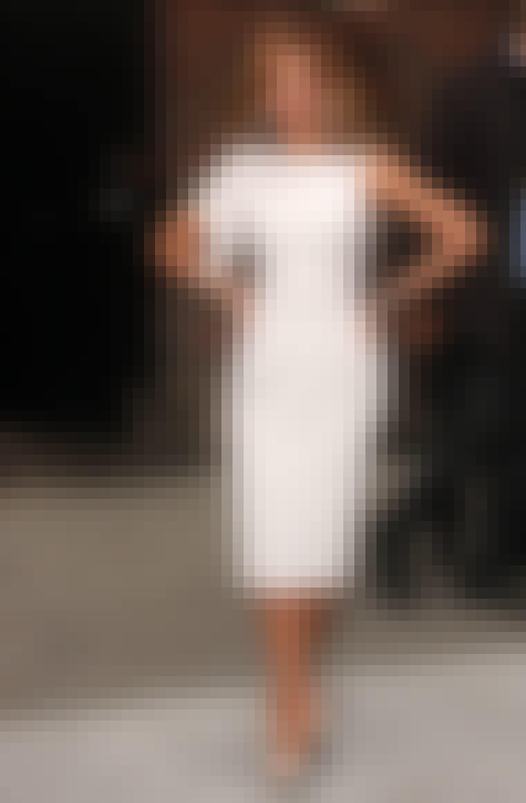 TIMEGLASFIGUR som sangerinden Beyonce Knowles.