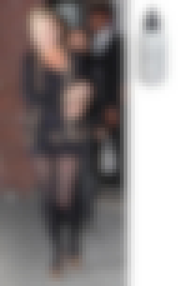 Supermodellen og stilikonet Kate Moss holder sin hud ren med Medicated clearing gel fra Dermalogica. Den hjælper med at klare huden og forebygge udbrud ved at løsne døde hudceller og reducere tagl. Medicated clearing g...