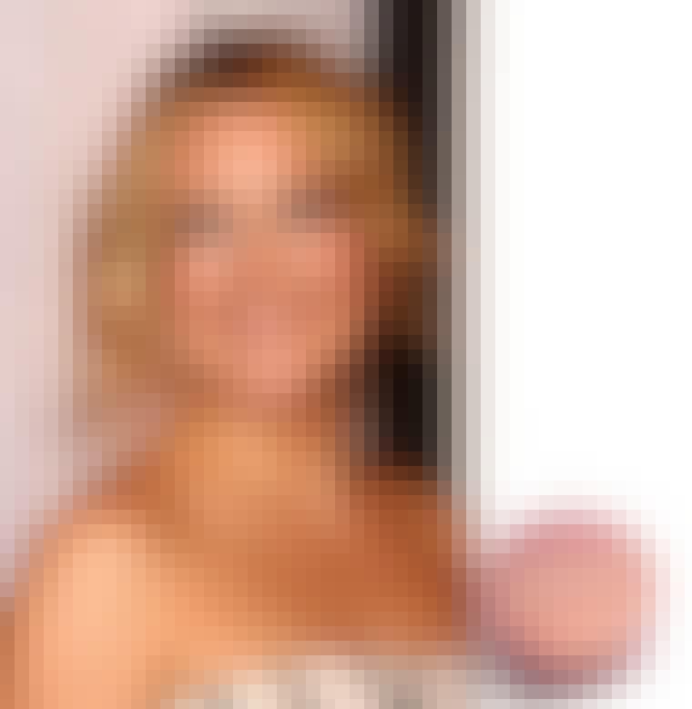 Drømmer du om at få røde kinder som skuespillerinden Kate Hudson? Så skal du have fat i Boujois blush, som Kate Hudson altid har i sin makeuppung. Blush fra Bourjois til 67 kr.