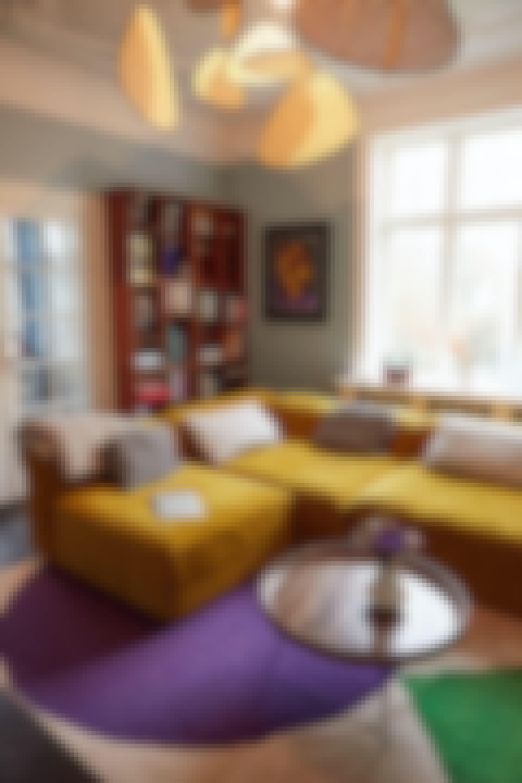 Smukke farverige møbler i varme nuancer