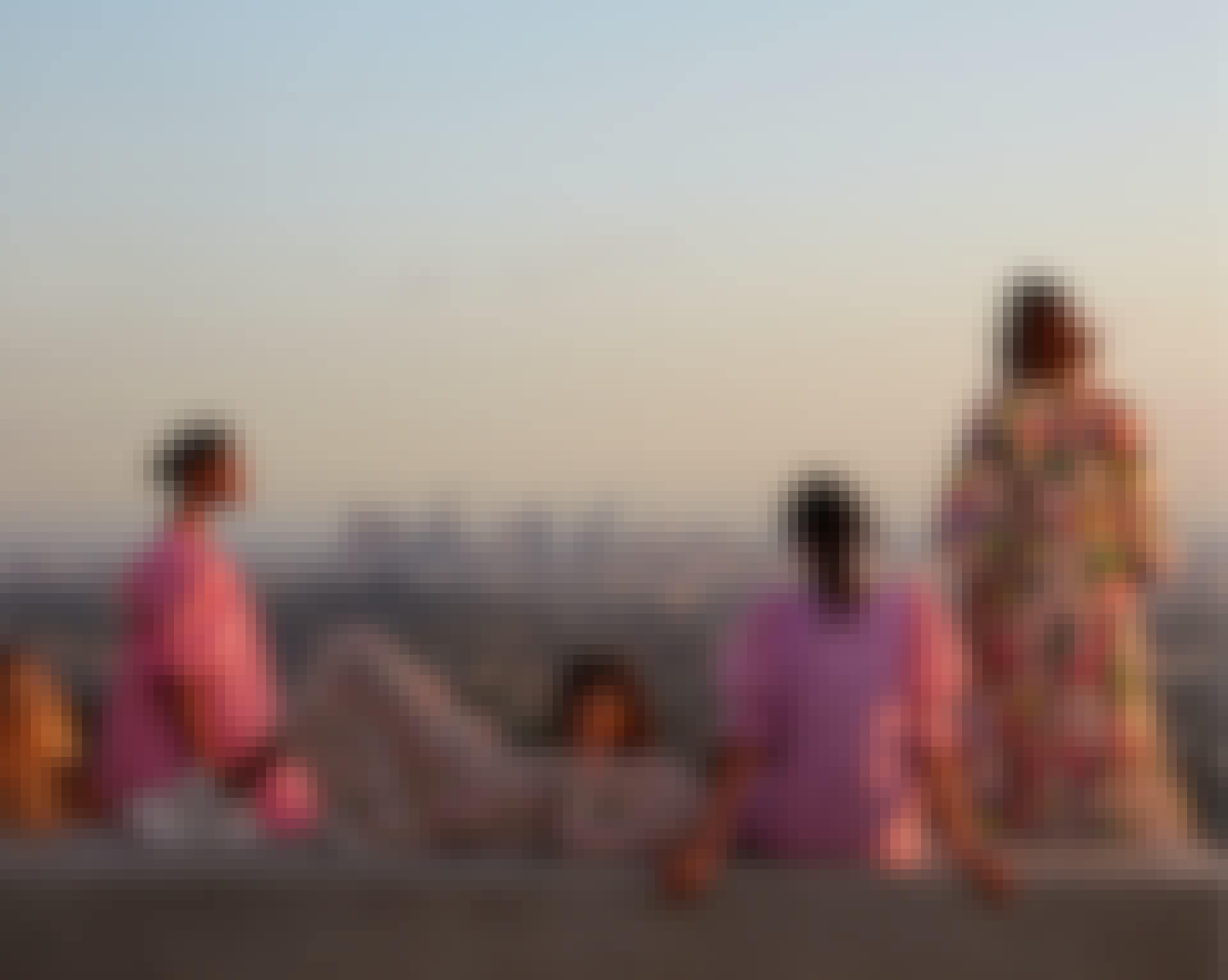 H&M ny kollektion med smukke farverige kjoler