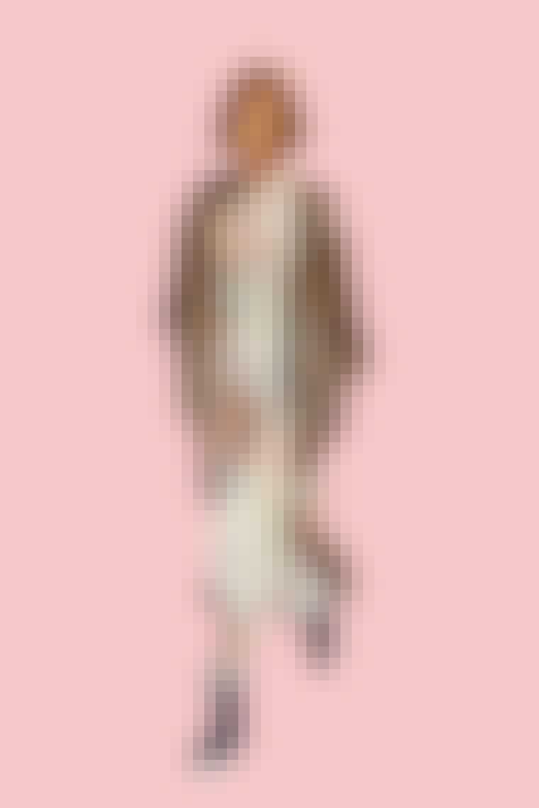 Miranda Hobbs iført boho celine kjole og gummistøvler