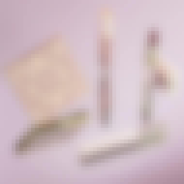 LOP_20210219-digital-eliesaab_flatlay_range_dmi_4x5_no-cta_1_1080x1080px